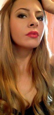 Elvira, photo