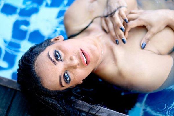 Jessica, photos from the site SexoDubai.me