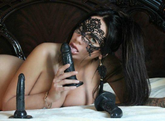Evelyna (Dubai), sexual photo