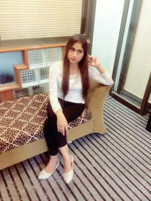 whore Kanwal from Dubai