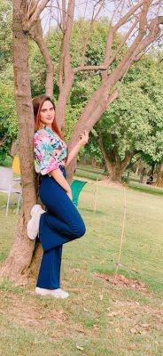 Vip escort in UAE: Alisha wants to meet a gentleman