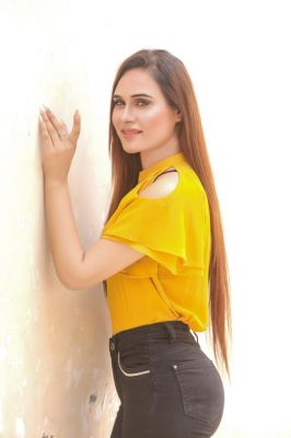 Elite model from Dubai: Alisha with photos and reviews