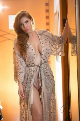 call girl Valentina, from Dubai