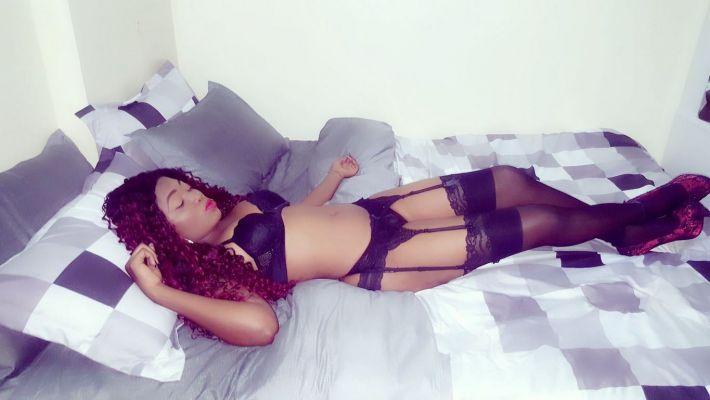 Sexy Naomi, 23