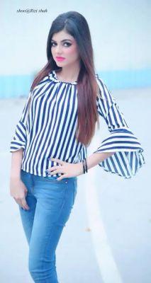 Indian model kamya , 21, Dubai,