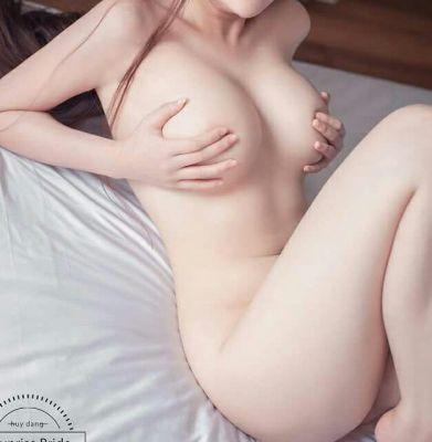 Body to body (SexoDubai.com)