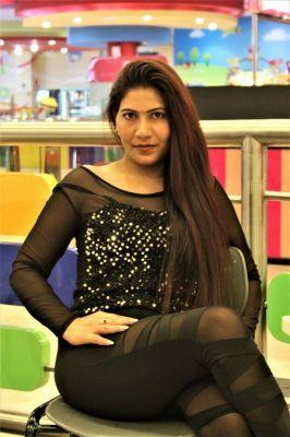 Call gils Dubai — escort Pooja