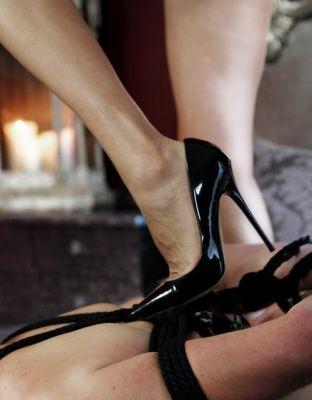 Mistress Cruella (SexoDubai.com)