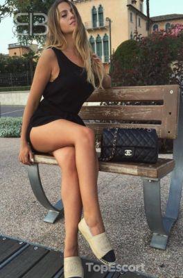 whore Abigail from Dubai