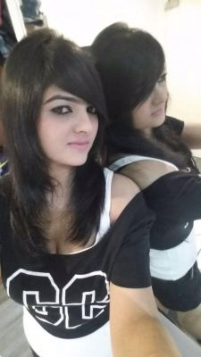 whore Sonia College Girl from Dubai