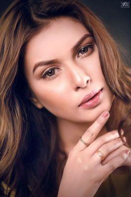 Indian Model Hooriya , profile pictures