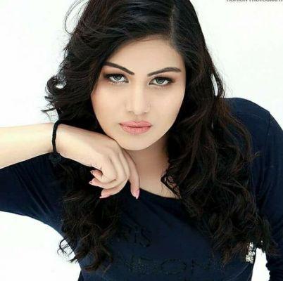 independent Pooja Indian Hottie