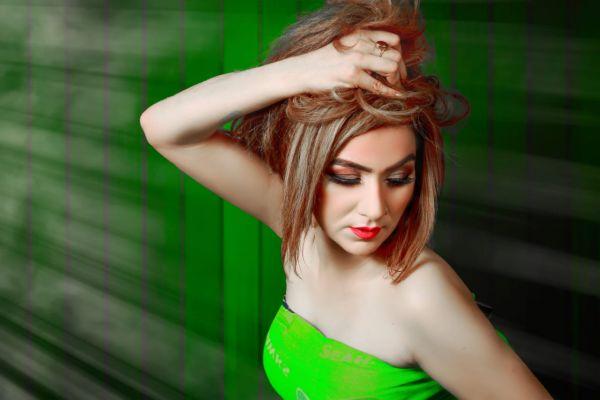 Blonde escort Riya  is a star of Dubai for oral sex