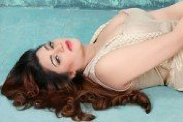 Hina Model from Dubai