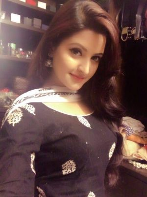 Naina Indian Escort