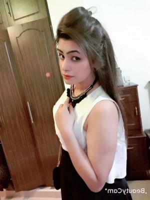 Indian Busty girl, 20, Dubai,