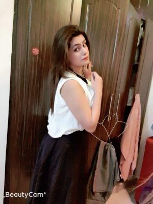 Indian Busty girl, Dubai