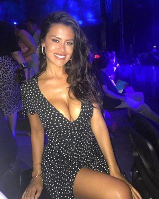call girl LUCIA, from Dubai