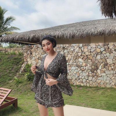 Anna Ling, photos from the website SexDubai.club
