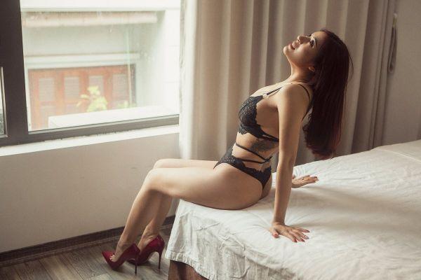 Lucy, photos from the website SexDubai.club