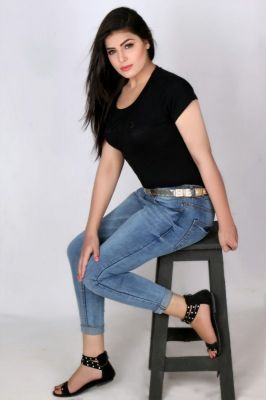 call girl Deepika Busty, from Dubai