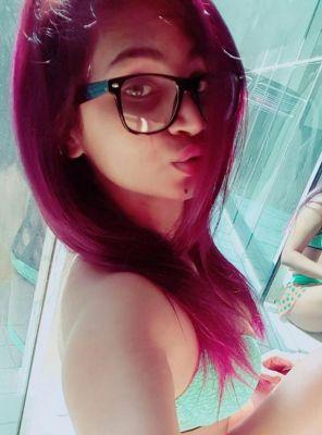 Escort Services — Priya, 21
