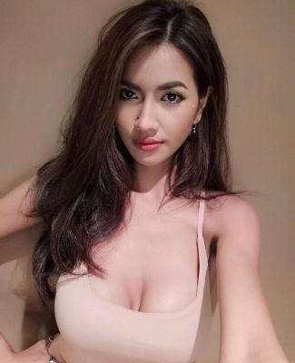 Dubai call girl Yumi available for booking 24 7