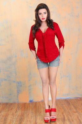 Riya Kapoor, profile pictures