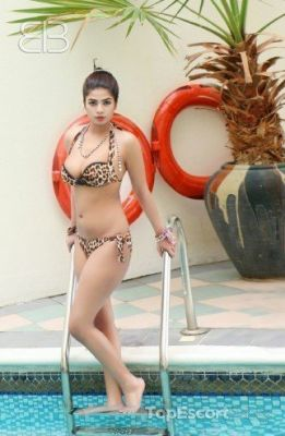 Hot Girl Komal (SexoDubai.com)