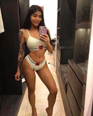 Alexia, 23