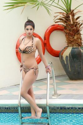 Independent massage escort in UAE: +971525811763 Komal — professional service from AED 1000