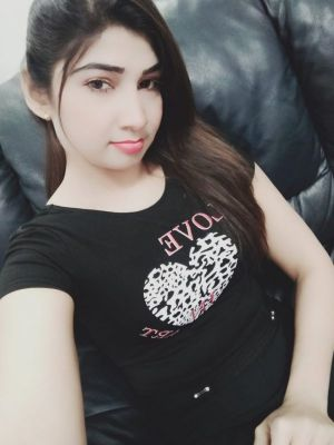 Mature escorts of UAE does a BJ for USD 1000