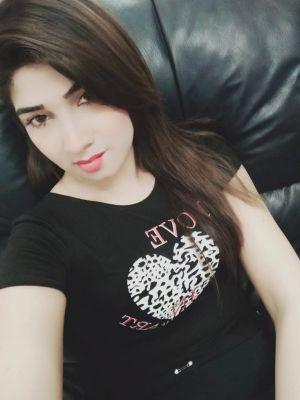 Intimate dating with Dubai escort girl, call +971 52 601 5744