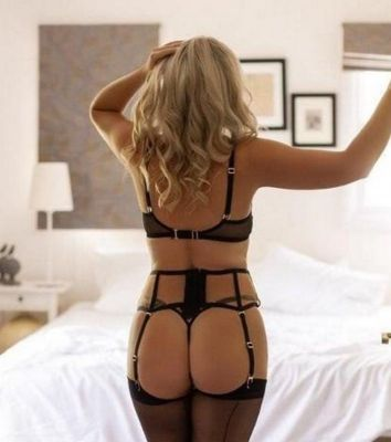 escort Sandra — pictures and reviews