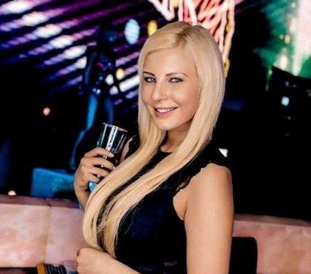 Sabina, 21