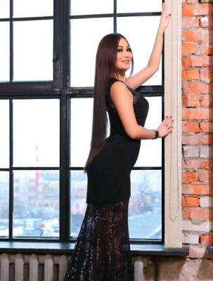 Yasmina, photos from the website SexoDubai.me