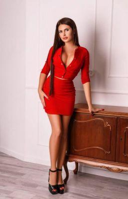 Julia, Dubai english escort, ready for sex for USD 1500 per hour