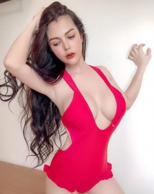 Independent escort in Dubai: Elym wants to meet a generous man