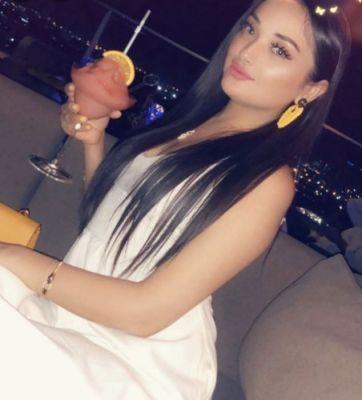 UAE escort Flora, 165 cm, 60 kg ready for an encounter
