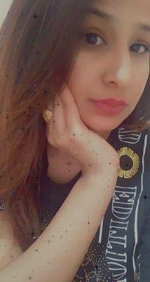 whore Noor from Dubai